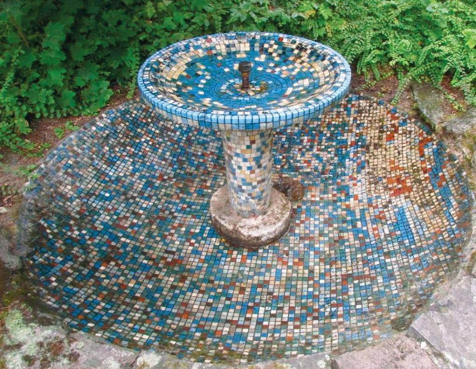 Mosaikbrunnen am Ingenhovenpark erhalten – Unterschriftenaktion von vier Fraktionen gestartet