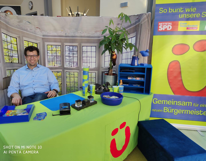 Bürgermeisterkandidat Christian Küsters kommt mit seinem mobilen Büro in jeden Stadtteil